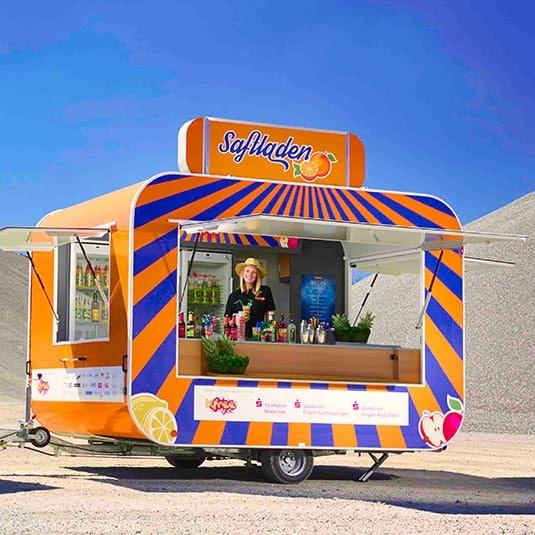 gamo-imbisswagen-verkaufsanhaenger-verkaufswagen-imbissanhaenger-cocktails-retroliner-retro