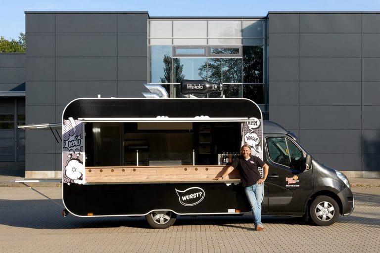 gamo-foodtruck-food-truck-konzept-currywurst-curry-freund-retro-schwarz-neu