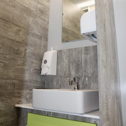 gamo-toilettenwagen-klein-toilettenanhanger-vip-neu