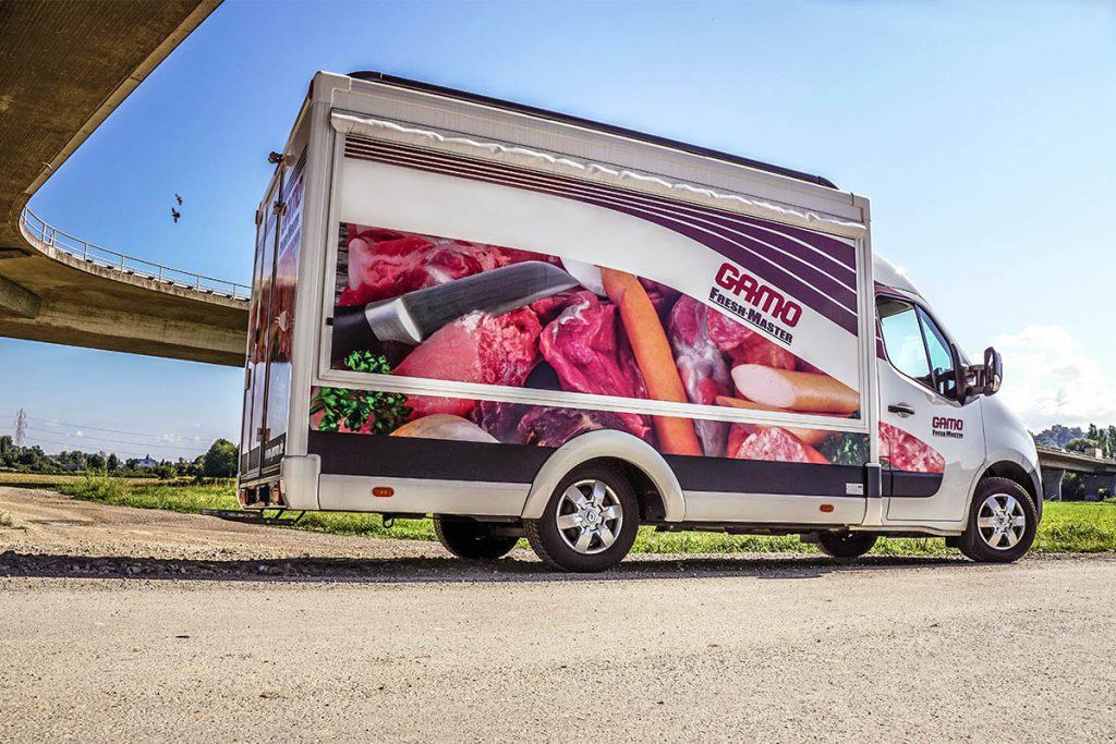 gamo-verkaufswagen-mit-kuehltheke-verkaufsanhaenger-metzger-fleischer-fisch-fresh-master-380